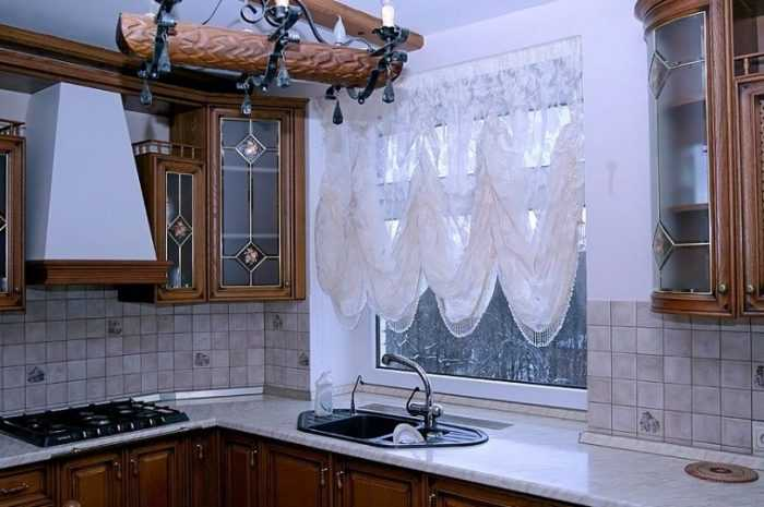Лучшие шторы на кухню: требования к выбору штор на кухню, декор для разного размера и длины занавесок. Цветовые решения, узоры и креплений штор (фото + видео)