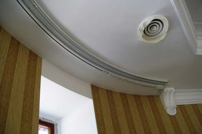 Шторы в прихожую: критерии выбора штор для прихожей, выбор размера и длины занавесок. Цветовые решения и виды конструкции штор для прихожей (фото + видео)