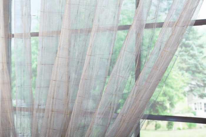 Тюль в зал: особенности выбора тюля в зал. Подбор подходящей длины и количества ткани, характеристики материалов (130 фото + видео)